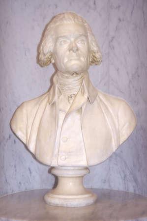 워싱턴 DC 의회 도서관에서 Thomas Jefferson의 프로필 흉상 에디토리얼
