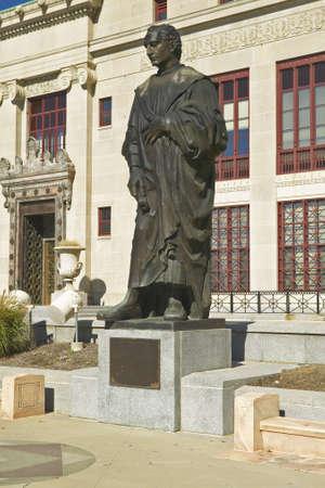 christopher columbus: Statue of Christopher Columbus at City Hall in Columbus, Ohio Editorial