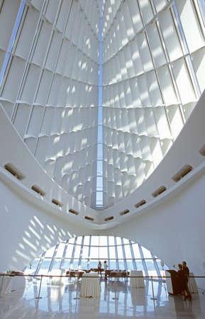 Interior of the Milwaukee Art Museum on Lake Michigan, Milwaukee, WI 新聞圖片