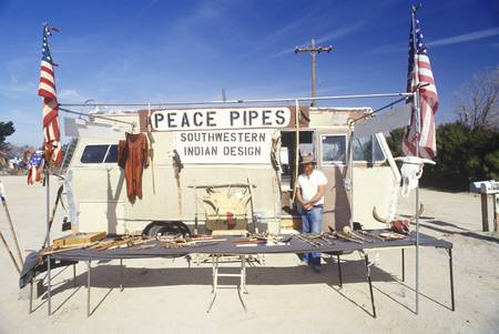 peace pipe: Roadside souvenir stand in Airstream trailer selling American Indian memorabilia Editorial