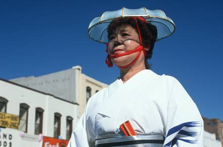 photographies: Dancer at the 49th Nisei Week Parade in Little Tokyo, Los Angeles, CA