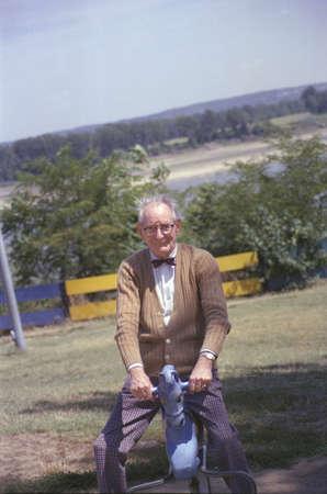 photographies: Frank Geiger, a senior citizen and grandfather of photographer Joe Sohm Editorial