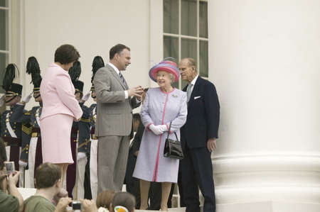 queen elizabeth ii: From left to right, Virginia First Lady Anne Holton, Governor Timothy M. Kaine, Her Majesty Queen Elizabeth II and Prince Philip, the Duke of Edinburgh, standing at the steps of the Virginia State Capitol, Richmond Virginia, as part of the 400th anniversa