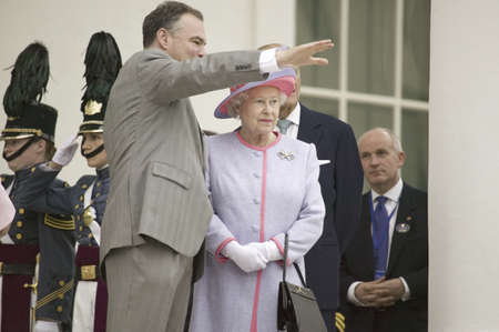 queen elizabeth: Governor Timothy M. Kaine and Her Majesty Queen Elizabeth II waving at the steps of the Virginia State Capitol, Richmond Virginia, as part of the 400th anniversary of the Jamestown Settlement, May 3, 2007 Editorial