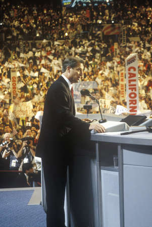 Former Vice President Al Gore delivers acceptance speech at the 2000 Democratic Convention at the Staples Center, Los Angeles, CA  Redactioneel
