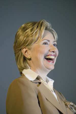 U.S. Senator, Former First Lady and Presidential Candidate, Hillary Clinton, smiling during rally after Iowa Democratic Presidential Debate, Drake University, Des Moines, Iowa, August 19, 2007 Zdjęcie Seryjne - 20802336