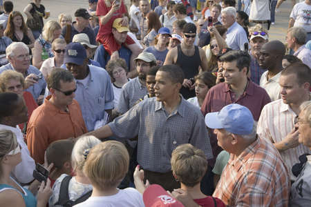 campaigning: U.S. Senator Barak Obama campaigning for President at Iowa State Fair in Des Moines Iowa, August 16, 2007 Editorial