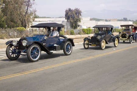 to paula: Antique cars and people in old-fashioned clothing in Santa Paula, CA  Editorial