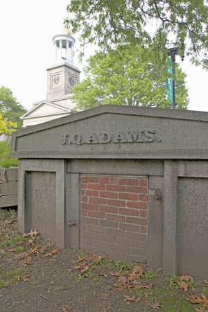Burial stone for J.Q. Adams, Quincy, Ma., USA Publikacyjne