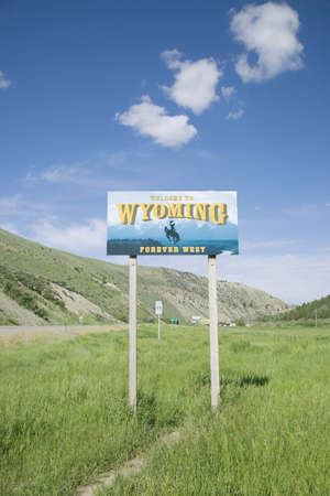 Welcome to Wyoming road sign Redakční