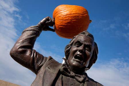 enrage: Statue of Senator Stephen Douglas with a pumpkin