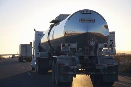 Tanker on Interstate 15 in California highway during sunset Sajtókép