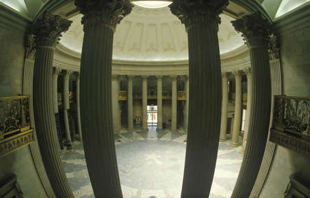 federal hall: Interior of Federal Hall in New York, NY where George Washington was inaugurated