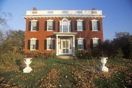 Exterior of the Ephraim Paddock house in St. Johnsbury, VT