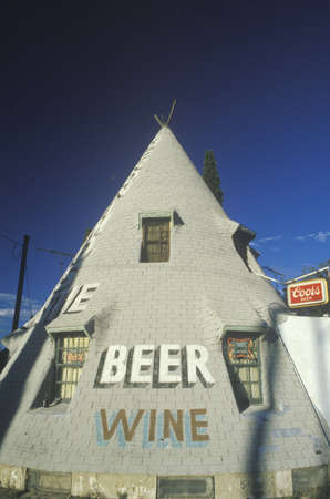nm: Teepee-shaped liquor store on an Indian reservation, NM Editorial
