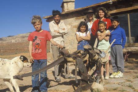 子供たちと 1 つの部屋で教師学校の家、リー牧場, ユタ州