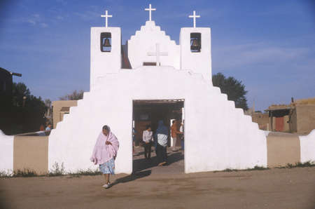 adobe pueblo: Adobe chapel, Taos Pueblo, NM