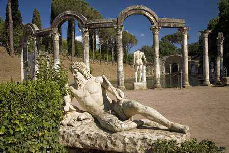 country house style: Statue in the Canopus at Hadrians Villa, Tivoli Editorial