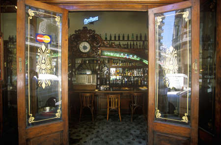 photographies: Entrance door of CafŽ Couple and Cappuccino in Buenos Aires, Argentina