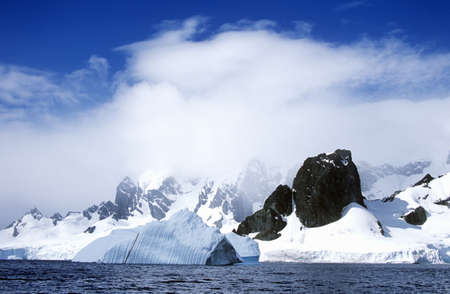photographies: Glaciers and icebergs in Errera Channel at Culberville Island, Antarctica