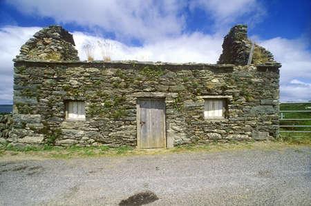 Een verlaten stenen huisje in West Cork, Ierland Stockfoto - 20803198