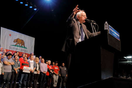 incidental people: LOS ANGELES, CA - MARCH 23, 2016: Vermont U.S. Senator Bernie Sanders and 2016 Democratic presidential candidate, speaks during a campaign rally at the Wiltern Theater