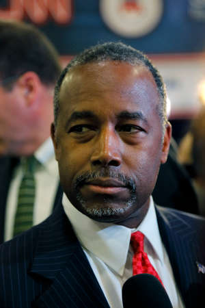 dr: LAS VEGAS, NV, DEC.15, 2015, closeup profile of Dr. Ben Carson, retired neurosurgeon and 2016 Republican presidential candidate, speaks in the spin room following CNN debate at The Venetian in Las Vegas, Nevada.