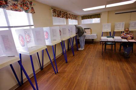 encuestando: NTURA COUNTY, CA - 7 DE JUNIO, 2016 - Sitio de Votación Ventura para el Condado de Ventura primarias de California, California.