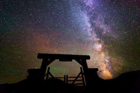 RIDGWAY COLORADO USA - Milkyway Stars over Last Dollar Ranch gate, Ridgway Colorado Publikacyjne
