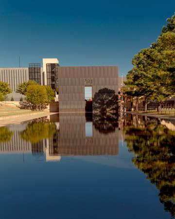 OCTOBER 11,2018  - Oklahoma City, USA - Oklahoma City National Memorial  & Museum Foto de archivo - 111979692