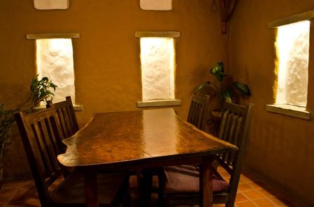 tavolo da pranzo: Tavolo da pranzo in legno