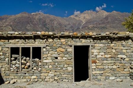 nepali: stonehouse of Nepali