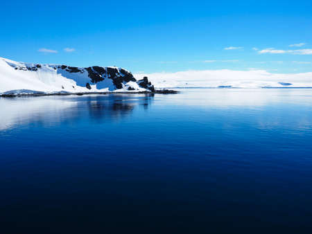 weddell: Antarctica mountain iceberg landscape ocean mirrow reflection