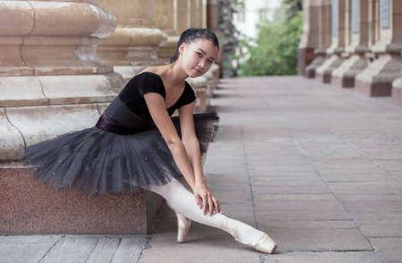 nude adult: beautiful Ballet dancer (ballerina) outdoors