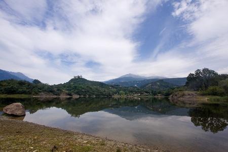 dora: Lago PIstono y Montalto Dora Castillo