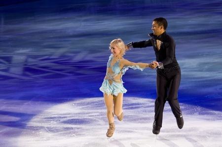 Torino, Italia - Ottobre 8, 2011: Aljona Savchenko e Robin Szolkowy della Russia svolgere nel Gal Gran dell'evento ghiaccio nel Palavela di Torino, Italia
