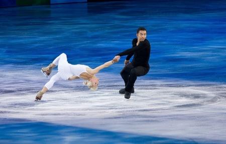 Torino, Italia - 8 ottobre 2011: Aljona Savchenko e Robin Szolkowy della Russia svolgere nel Gal Gran dell'evento ghiaccio nel Palavela di Torino, Italia