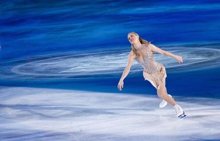 Torino, Italia - Ottobre 8, 2011: Joannie Rochette del Canada esibirsi nella Gal Gran dell'evento ghiaccio nel Palavela di Torino, Italia