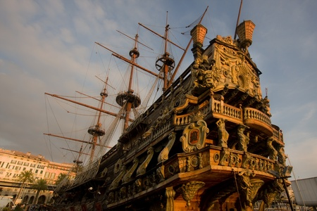 neptuno: Gale�n de Neptuno en el puerto de G�nova