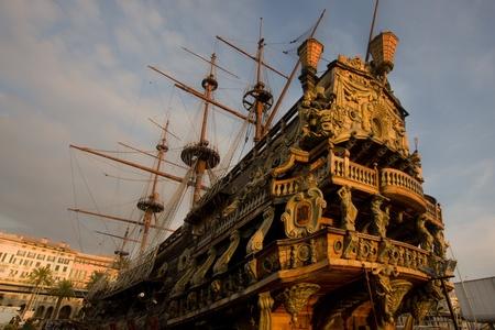 neptun: Galleon Neptun im Hafen von Genua