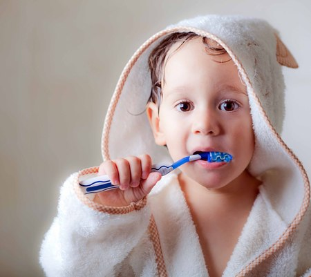 Baby wash their teeth