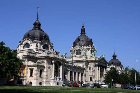 szechenyi: El Szechenyi ba�o medicinal en Budapest Hungr�a