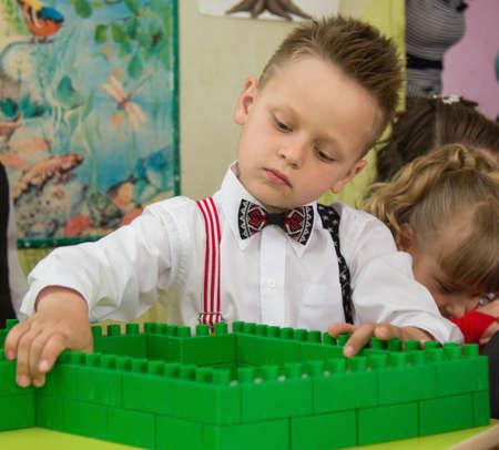jardin de infantes: LUTSK, UKRAINE - MAY 31 - Children in Ukrainian nursery school before graduation in Lutsk on May 31. 2016. Editorial