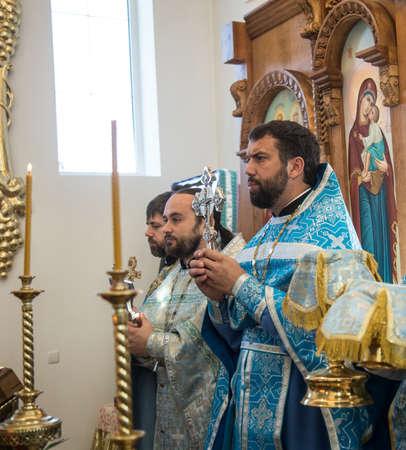 sotana: LUTSK, Ucrania - 14 de octubre 2016: Celebración religiosa eslava Pokrov