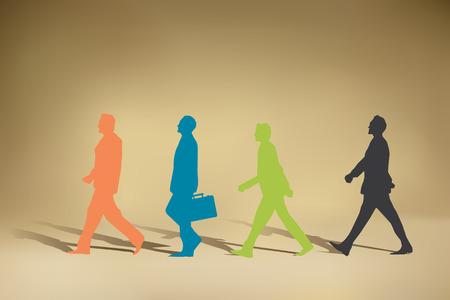 caminando: Hombre de negocios que recorre Vectores