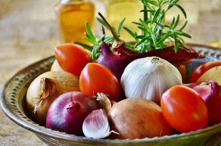 テーブルの上のおいしい野菜のイメージ。 写真素材