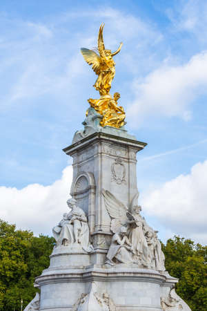 The Victoria Memorial to Queen Victoria, located at the end of The Mall in London Stockfoto