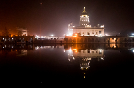 gurudwara: Night shot of the famed bangla sahib gurudwara  sikh temple  in Delhi