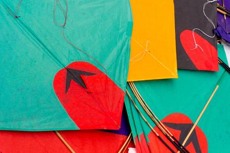 papalote: Cometas de papel de colores de la India utilizan para el deporte de la lucha contra el cometa. Estos son tradicionalmente trasladados en Makar Sankranti o en Rep�blica d�a