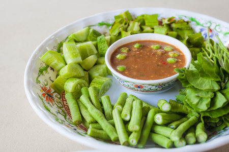 Spicy paste and vegetable set